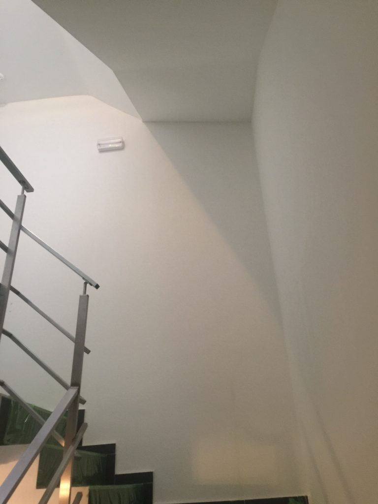 rev tement murale pose de toile de fibre de verre et peinture. Black Bedroom Furniture Sets. Home Design Ideas
